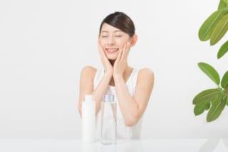 化粧水を使っている女性の約4割は、お気に入りを探していろいろお試し中