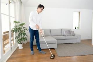 共働きパパが部屋の掃除をする理由は?